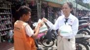 Merubah Budaya, Anak-anak SMA Ini Rayakan Kelulusan Dengan Bagi-bagi Nasi Kotak