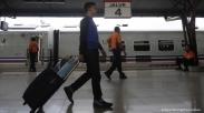 Serunya Jalan-Jalan Keliling Indonesia Pakai Kereta Api