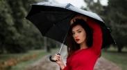 Puji Tuhan, Akhirnya Hujan Juga! Musim Hujan Sudah Datang Nih, Waspadai 5 Penyakit Ini Ya