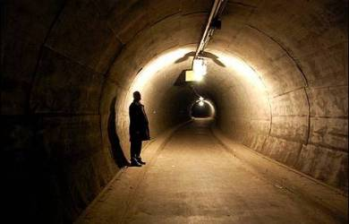 Kadang Kita Akan Melewati Terowongan Gelap, Jangan Takut Andalkanlah Dia!