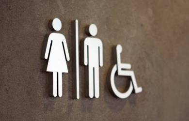 Nggak Cuma Merusak Lingkungan,  Buang 4 benda Ini Ke Toilet Berdampak Pada Kesehatan Juga!