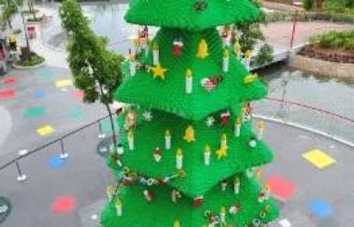 Ini Dia 7 Pohon Natal Fantastis Sejagad Raya