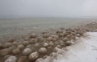 Cuaca Dingin di AS, Danau Dipenuhi Es Seukuran Bola Basket